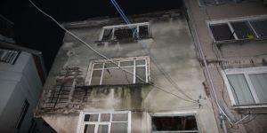 Tarihi binada çökme ! Çevredeki binalar boşaltıldı