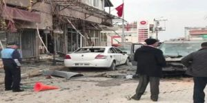 Kilis'e 3 roket mermisi atıldı ! Bölgenin elektriği kesildi