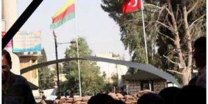 Suriye sınırındaki PYD flaması ortak operasyonla indirildi