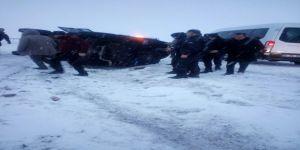 Zırhlı polis aracı kaza yaptı: 3 yaralı