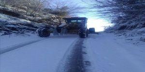 Mahallelerde kar temizliği yapıldı