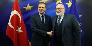 AB Bakanı Çelik, Timmermans ile görüştü