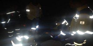 Direksiyon hakimiyetini kaybeden sürücü 80 metreden uçtu