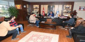Şampiyon öğrencilerden Başkan Çetin'e teşekkür