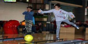 İlk kez bowlingle tanıştılar