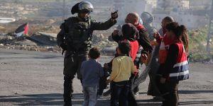 İsrail'den 14 yaşındaki Filistinli kız çocuğuna 'sürgün'