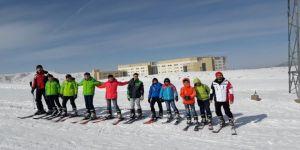 Çocuklara ücretsiz kayak eğitimi
