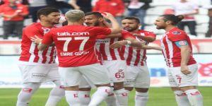 Antalyaspor, puanını 21'e çıkararak alt sıralardan uzaklaştı