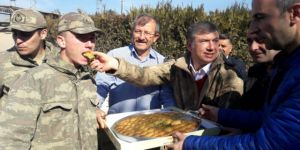 Tanju Çolak'tan Mehmetçik'e destek