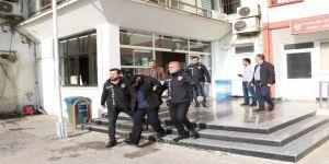 Bar işletmecileri silahla çatıştı, müşteri hayatını kaybetti
