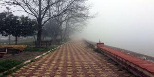 Gölü sis bastı