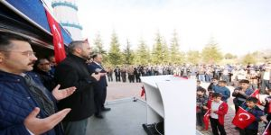 Cuma namazı çıkışında Afrin şehitleri için dua