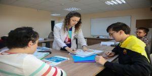 Engelsiz yaşam merkezinde EKPSS eğitimi verildi