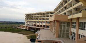 Burası hem okul hem de otel