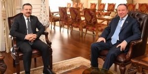 Erenkaya'dan Vali Aksoy'a ziyaret