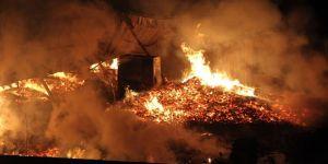Palet fabrikası alev alev yandı