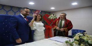 Başkan Kesimoğlu mutluluklarına ortak oldu