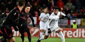 Arsenal, Östersunds'u farklı mağlup etti