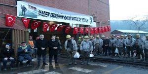 Madenciler, Mehmetçikler için Kur'an okutup kurban kesti