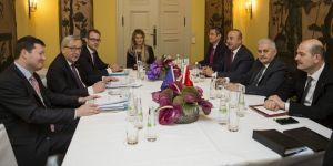 Başbakan, Juncker ile görüştü