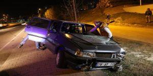 Kaza yapınca aracını bırakıp kaçtı !