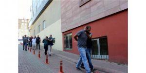 PKK propagandası yapan 9 kişi adliyeye sevk edildi
