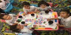 Bu okulda öğrenciler dersi etkinliklerle öğreniyor