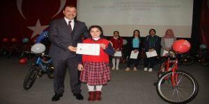 15 Temmuz Şehitleri temalı yarışmada öğrencilerin ödülleri verildi