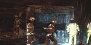 Barakada çıkan yangın araçlara sıçradı
