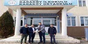 Ülkü Ocakları Başkanlığı, okula projeksiyon cihazı bağışladı