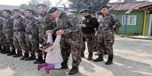 60 özel harekat polisi Afrin'e uğurlandı