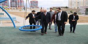 Başkan Saraçoğlu, oyun parkı ve peyzaj çalışmalarını yerinde inceledi