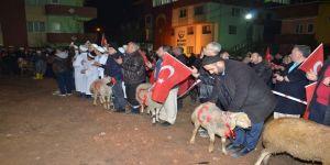 Mehmetçik için kurbanlar kesip dualar ettiler