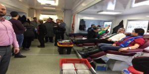 İYİ Parti Gebze 'den kan bağışı
