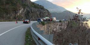 Ot yüklü kamyonların kazaları korkutuyor