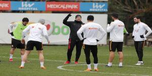 Galatasaray Akhisarspor mesaisine başladı