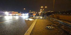 Otomobil hafriyat kamyonuna çarptı: 1 ölü