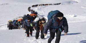 Öğrencilerden Uludağ zirveye tırmanış