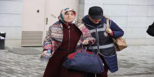 FETÖ'den aranan kadın öğretmen gözaltına alındı