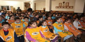 Çocuklara küresel ısınma ve çevremize etkileri konulu konferans verildi