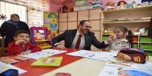 Başkan Ayaz, üç okulu ziyaret etti