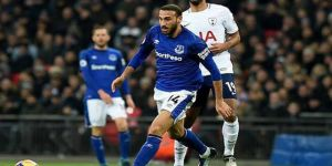 Everton, Cenk Tosun'u kiralık olarak gönderiyor