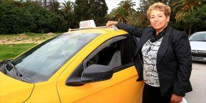 32 yıllık kadın taksi şoförü