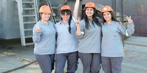 Türkiye'nin ilk kadın vinç operatörleri