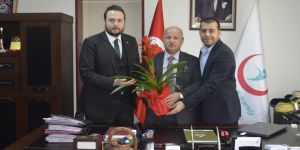 AK Parti'li gençlerden anlamlı ziyaret