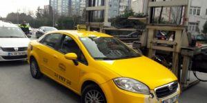 Kaza yapan ticari taksiden uyuşturucu çıktı