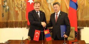 Çavuşoğlu, Moğolistan Savunma Bakanı ile görüştü