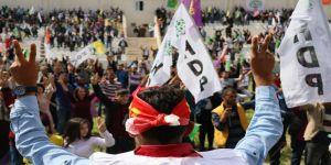 Öcalan lehine sloganlara Nevruz komitesi geçit vermedi