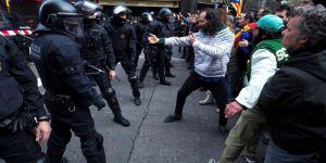 Katalan liderin tutuklanmasını protesto eden göstericiler polisle çatıştı