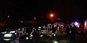 Midibüs şarampole devrildi: 13 yaralı